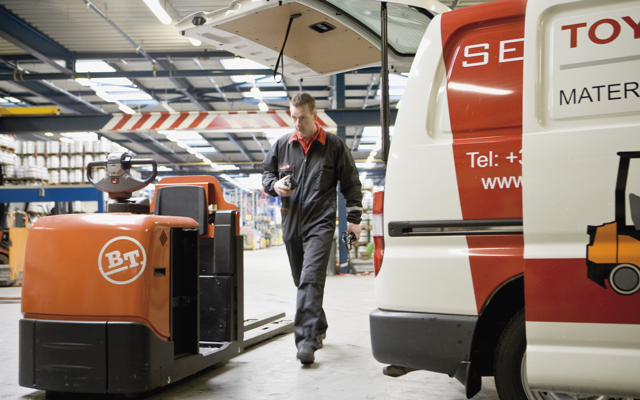 Servicio tecnico reparación carretillas toyota BT